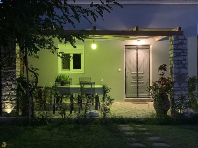 Finikounda messinia apartments maisonette vacation garden